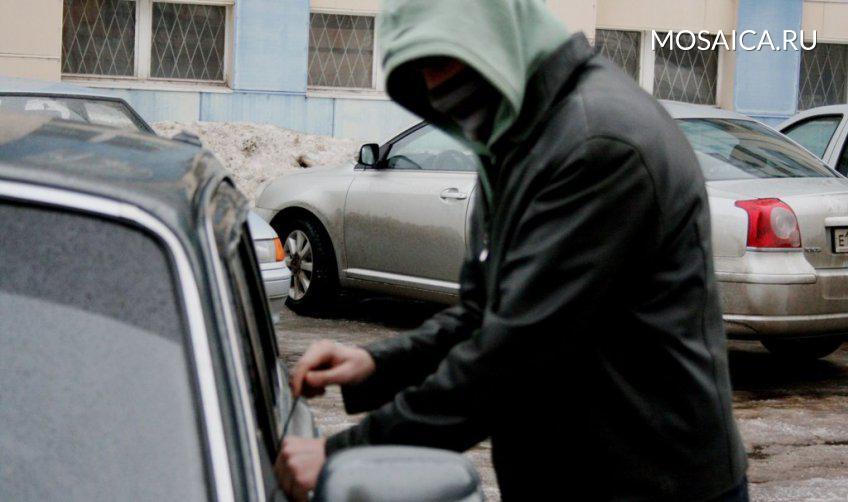 15-летний ульяновец «разул» автомобиль наулице Гончарова