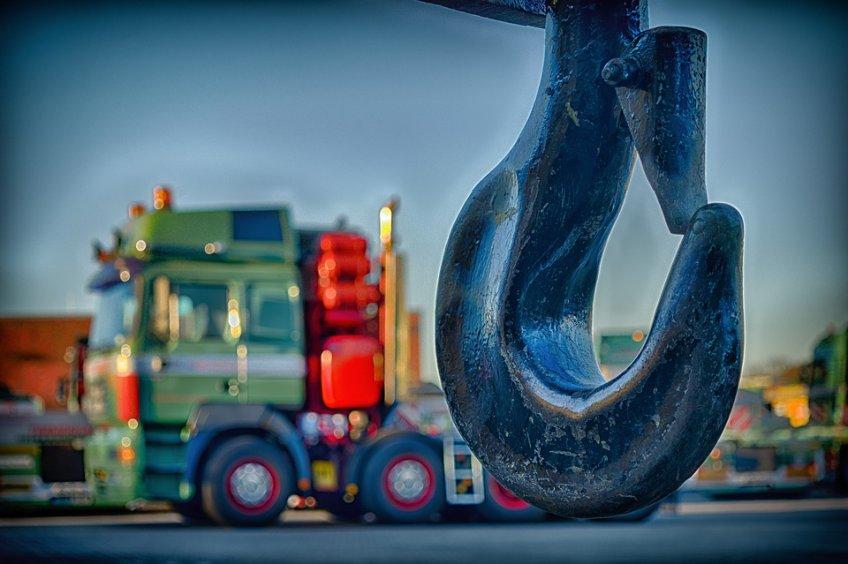 Напереходе вПодмосковье грузовой автомобиль насмерть сбил ребенка