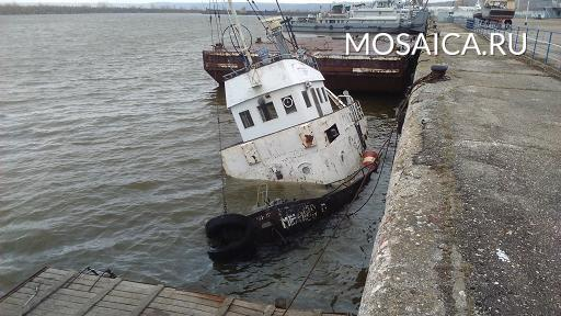 Правоохранители проводят проверку пофакту затопления теплохода впорту Ульяновска