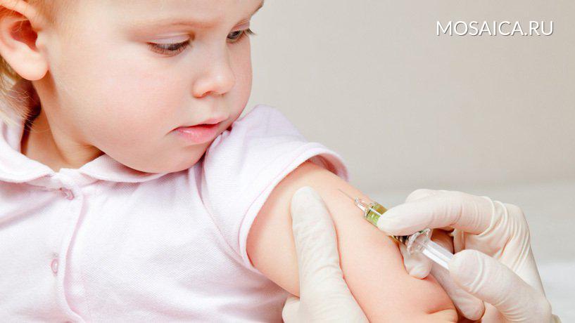 Роспотребнадзор обвинил медиков в20% осложнений после прививок