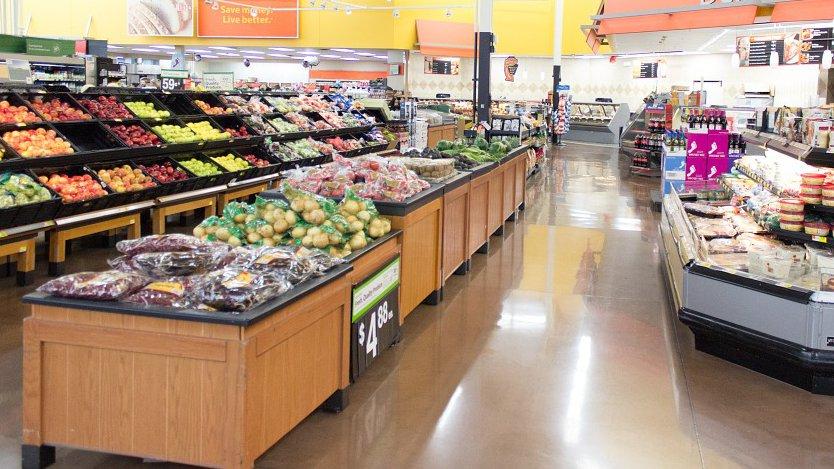 Большинство граждан России против введения ограничений работы супермаркетов