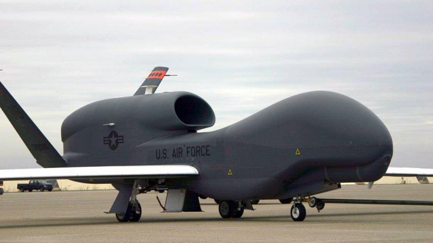 Американский беспилотник провел беспрецедентную разведку уграницРФ