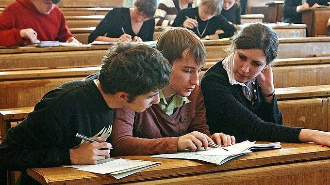 Число украинцев, желающих получить образование вРФ, выросло натреть