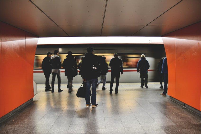 Маломобильные пассажиры метро настанции «Парк культуры» получат помощь без заявки