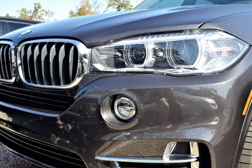 Подмосковным любителям автомобилей дозволят забрать машину соштрафстоянки без оплаты