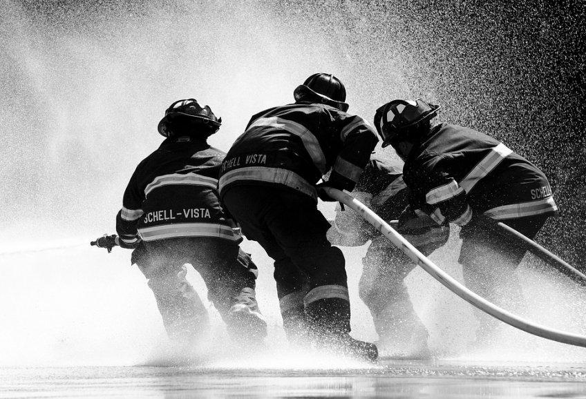 Два человека погибли впожаре квартиры вЩелково— Подмосковье