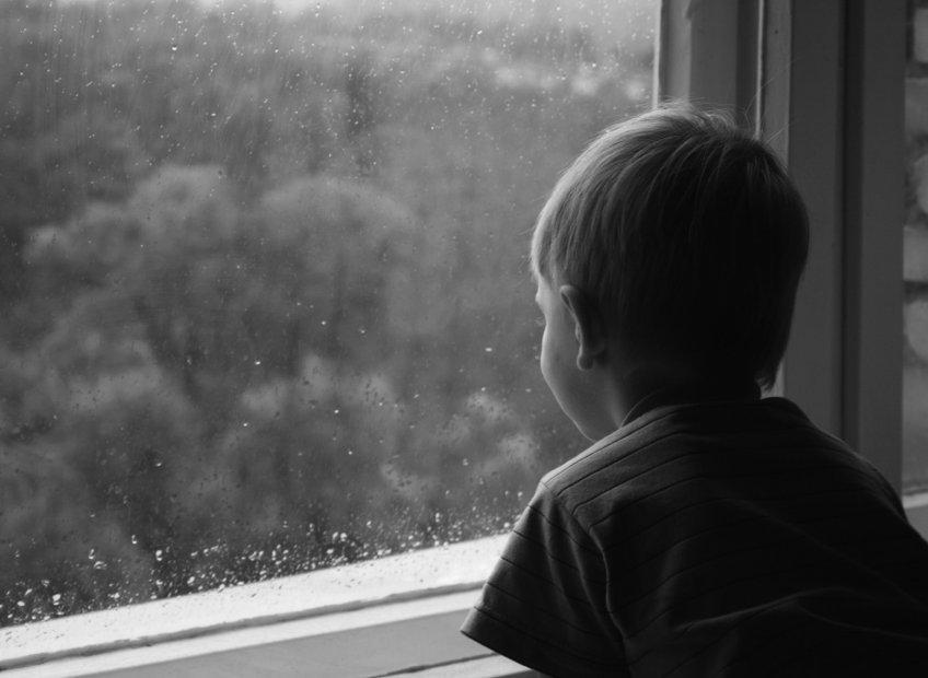 ВМосковской области 10-летний ребенок умер после падения с9-го этажа