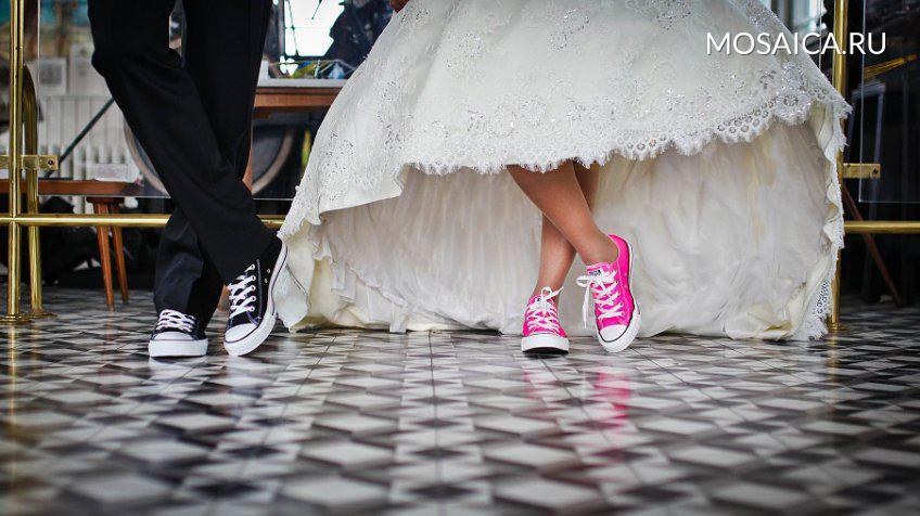 Число свадеб в РФ возросло впервый раз затри года