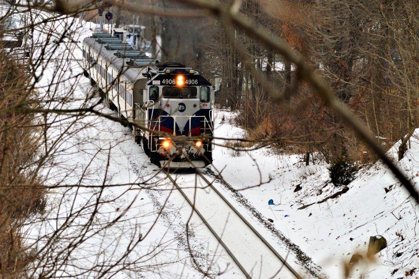 Научастке Киевского направления 27декабря остановили движение поездов