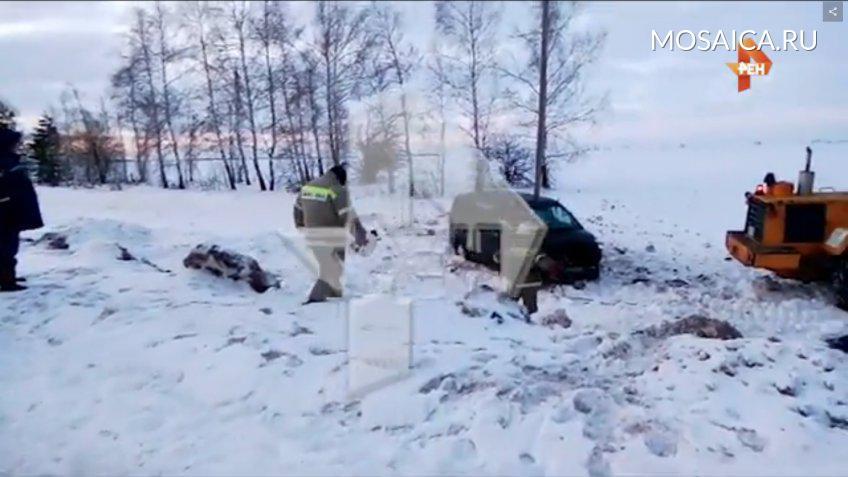 Под Ульяновском «Хендай» улетел вкювет: двое в клинике