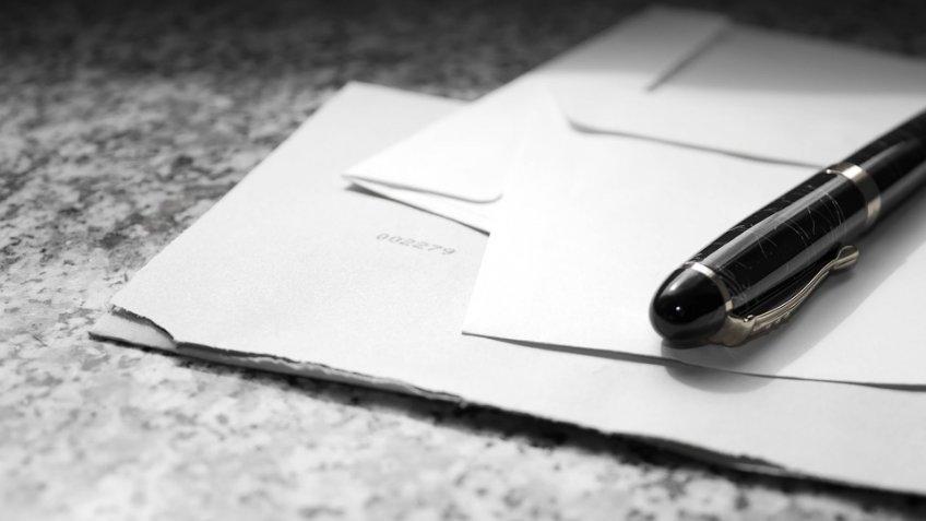 Письма сбелым порошком получили несколько посольств в столицеРФ