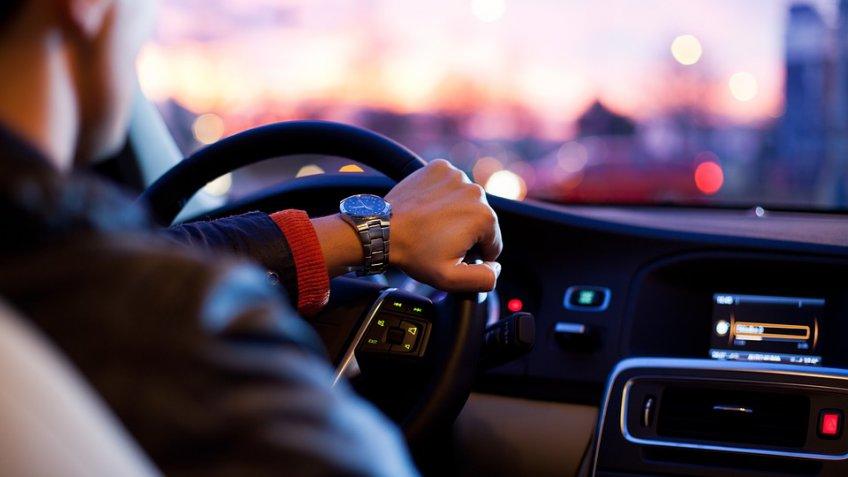 27 компаний изменили цены наавтомобили