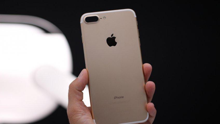 Вweb-сети появились «магические» обои для iPhone, набирающие популярность среди пользователей Apple