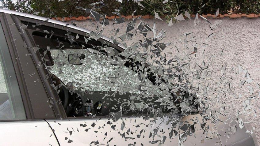 При столкновении маршрутки и грузового автомобиля вПодмосковье пострадали дети