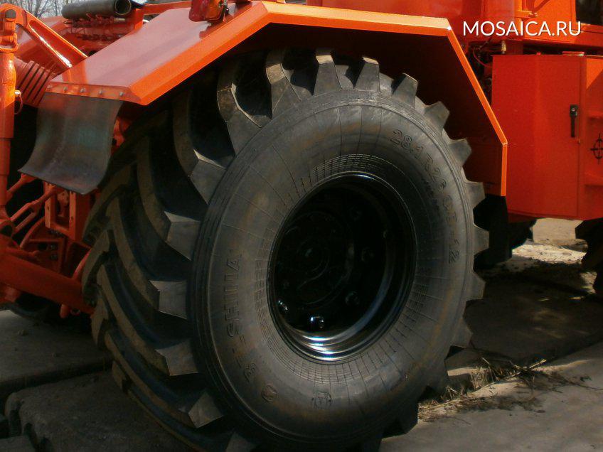 Барышский тракторист сбил женщину исрылся