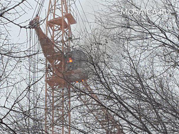 Сегодня наулице Автозаводской зажегся башенный кран