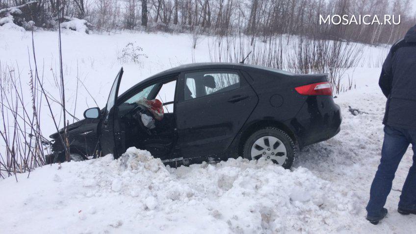ВУльяновской области столкнулись две легковушки: умер пассажир иномарки