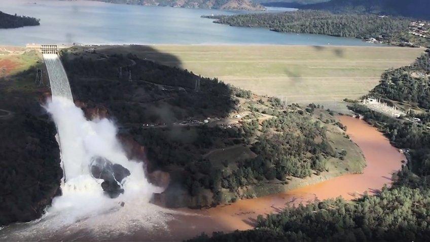 ВКалифорнии привели вполную готовность нацгвардию наслучай прорыва плотины