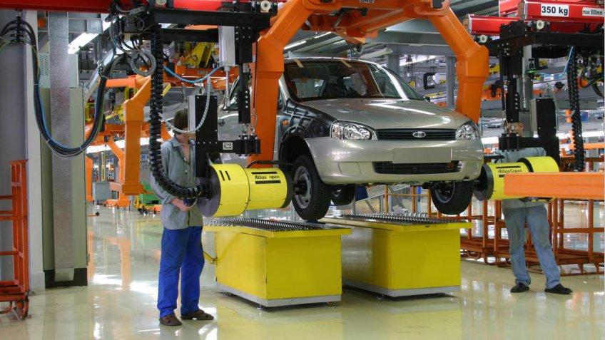Компания «АвтоВАЗ» возвращается кпятидневной рабочей неделе