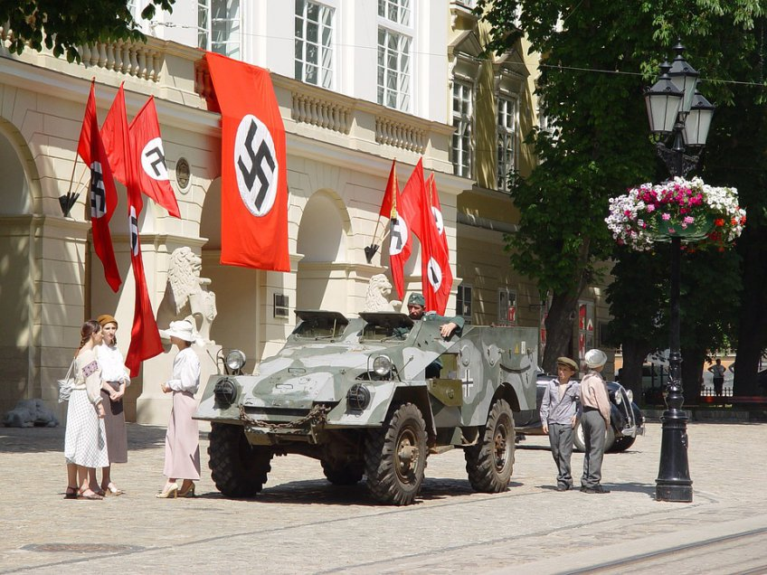 Парень, укравший немецкую военную форму времен ВОВ ичасы, схвачен вМО