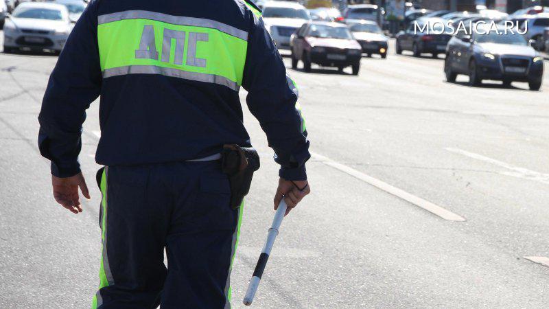 Инспектор ГИБДД, разбивший телефон водителя, пойдёт под суд