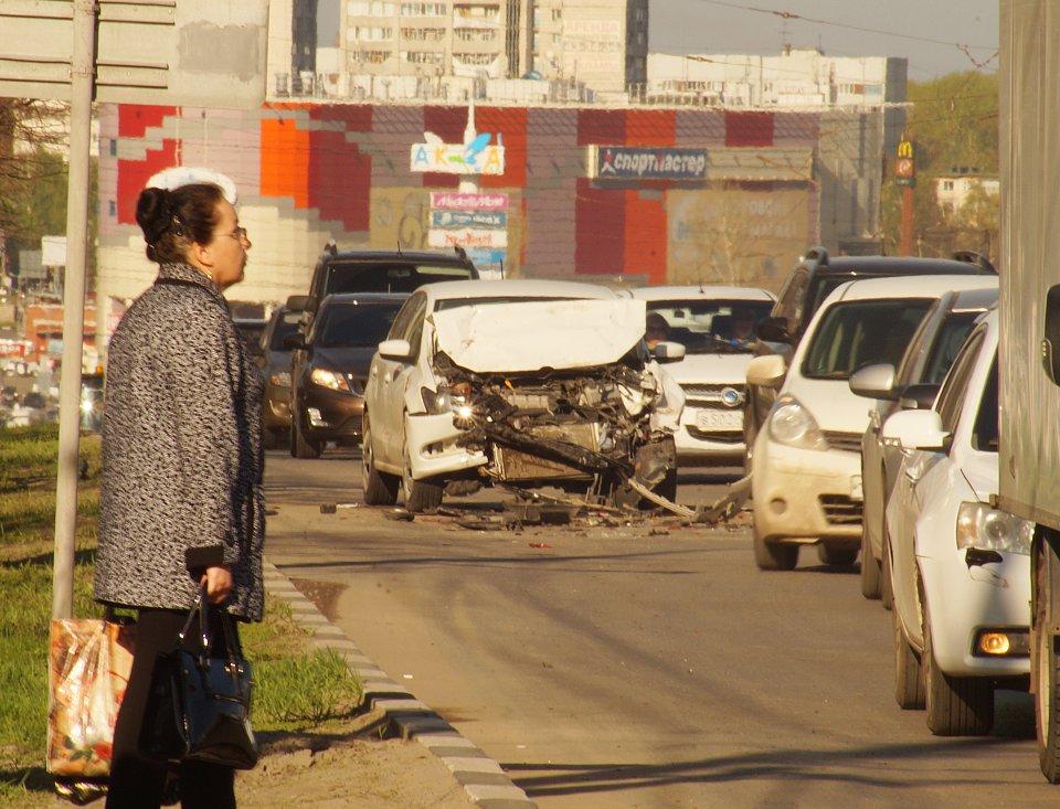 Столичное шоссе тоже встало впробке из-за ремонта
