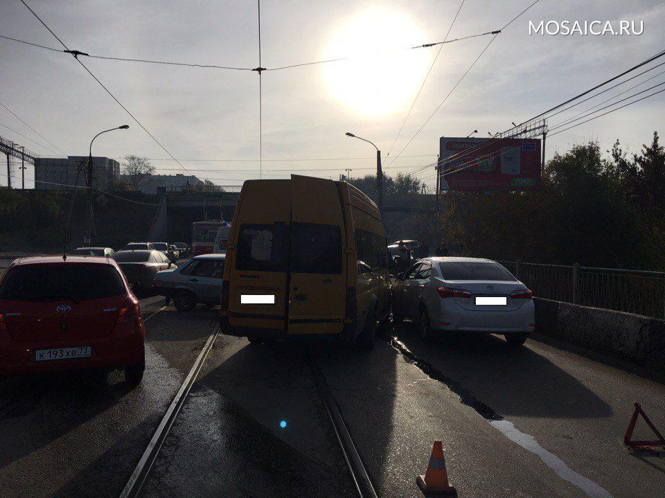 ДТП вУльяновске: 5 человек пострадали при столкновении авто вЗасвияжье